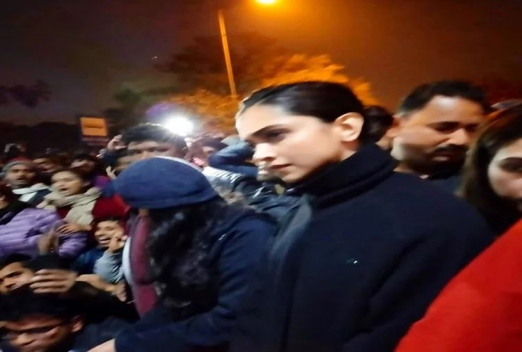 Deepika Padukone Support Students Protest. JNU