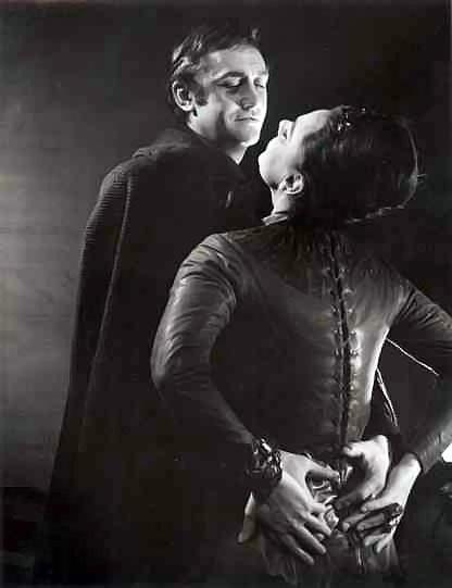 Desdemona In Othello Essays