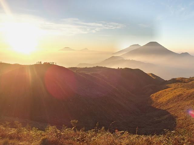 gunung, sunrise, terbit, matahari terbit, view, pemandangan, jalan-jalan, traveling, info, positif, jawa, indonesia, gunung, mountain