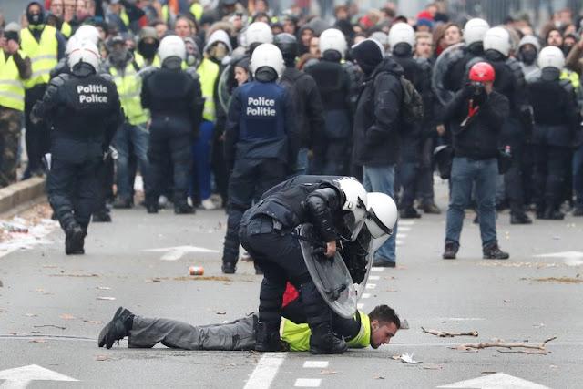 70 Orang Massa Protes Rompi Kuning Ditangkap di Brussels