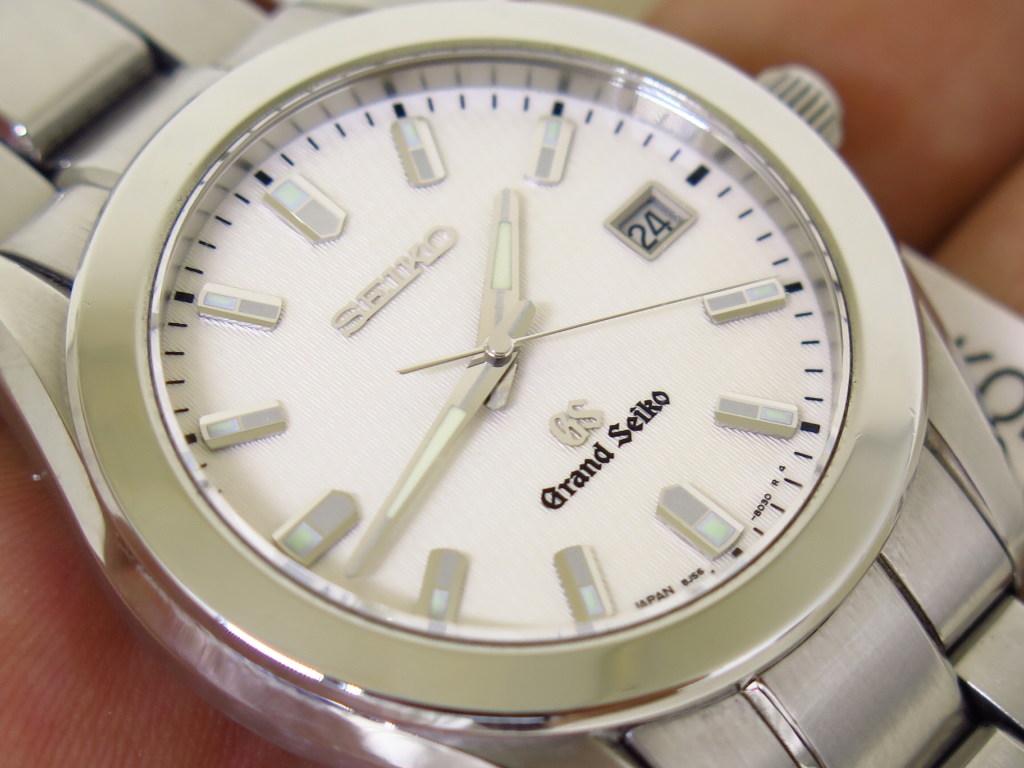 SEIKO GRAND SEIKO WHITE SATIN TEXTURED DIAL - GRAND SEIKO 8J56-8020