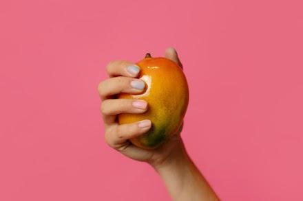So wird veganes Leder aus Mangos hergestellt | Abfälle werden zu Anziehsachen