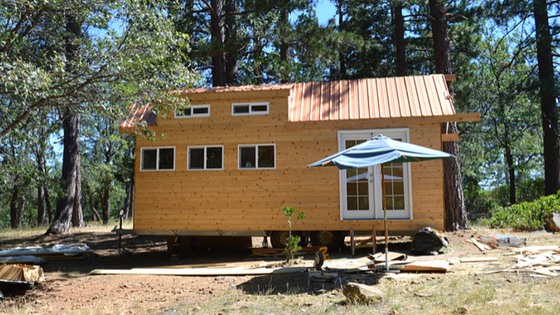 Inspired by the tiny house movement thats been sweeping the united states two young men from europe moved to northern california in 2015 to build their