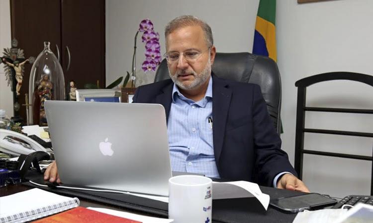 Secretário estadual de Saúde da Bahia pede exoneração do cargo