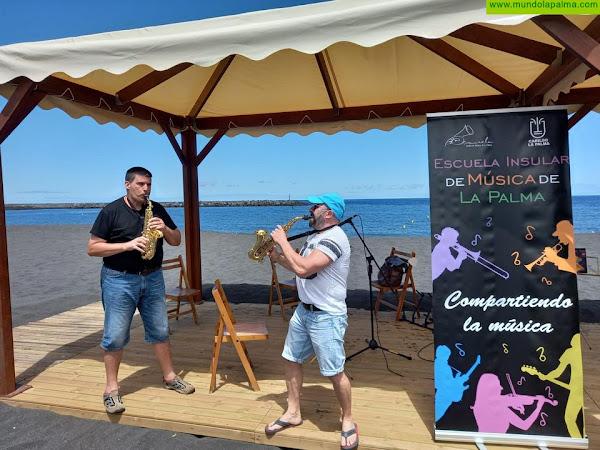 La Escuela Insular de Música traslada las aulas a la playa de Santa Cruz de La Palma