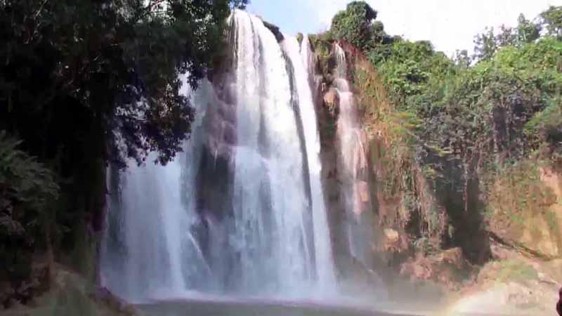 Air Terjun di Tuban