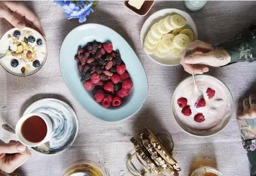 هذه الأطعمة الغنية بالبروتينات هي إضافات رائعة لوجبة فطور قوية!
