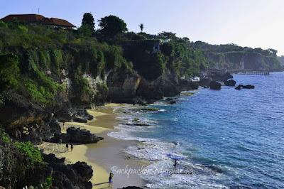 Pantai Tegal Wangi dari atas bukit - Backpacker Manyar