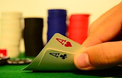 Pareja de ases en poker