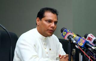 ஐ.தே.க உறுப்பினர்கள் கூரிய ஆயுதங்களை பாராளுமன்றத்திற்குள் எடுத்து வந்தனர் - தயாசிறி ஜயசேகர