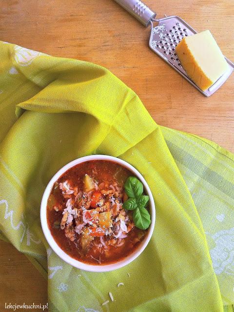 Zupa z mięsem mielonym i cukinią przepis
