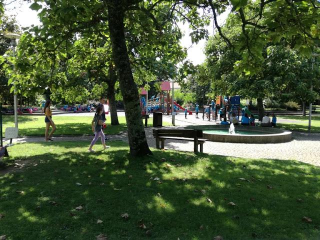 parque infantil em Ponte de Lima