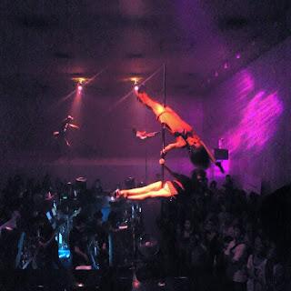 tokyo ageha ULTRAMUSIC TOKYOMADNESS KEITHHARING poledance 東京 新木場 アゲハ club クラブ party パーティー キースヘリング ポールダンス 夜遊び ギャル 水着 ナイトクラブ かわいい スタイル抜群 懐かしい写真 パリピ ALISH アーティスト bar スタイル良すぎ セクシー インスタ映え 女子力