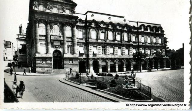 Photo ancienne de Clermont-Ferrand  la Préfecture
