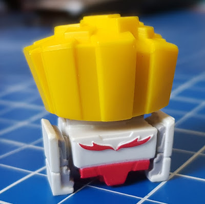 Transformers BotBots review Spud Muffin disguised as fries