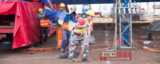 les ouvriers du cirque