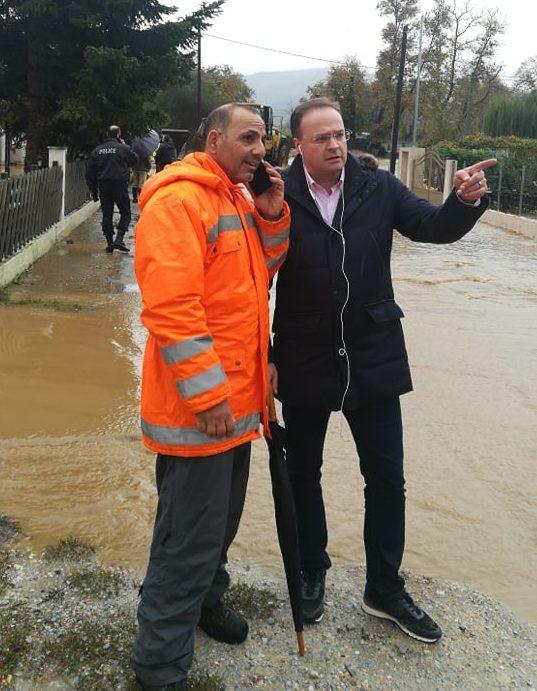 Εκκενώσεις σχολείων λόγω πλημμυρών στη Χαλκιδική – «Ευτυχώς είχαν καθαριστεί τα ρέματα», λέει ο Δημαρχος Αριστοτέλη