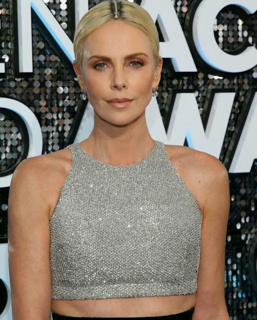 Charlize Theron iPhone Mobile Wallpaper