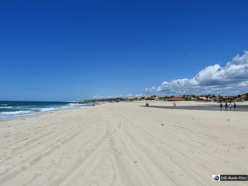Praia de Uruaú do lado esquerdo e Lagoa, do lado direito - Morro Branco e Praia das Fontes - Tour 3 Praias