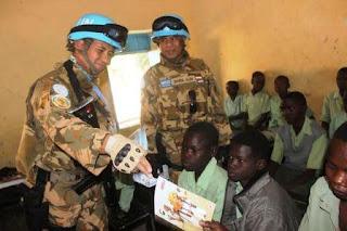 Pasukan Garuda Bantu Baju Muslim dan Al-Quran untuk Madrasah di Sudan