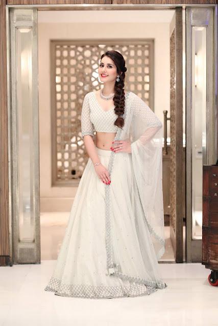 Actress Raashi khanna Latest Photoshoot 2017