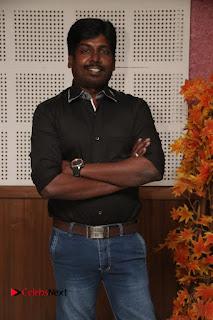 9 Giragankalum Ucham Petravan Tamil Movie Pooja Stills  0037.jpg