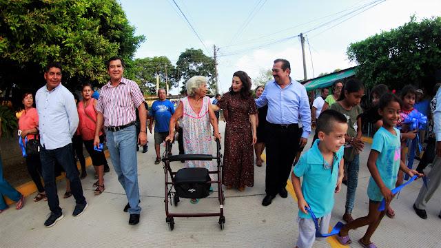 Pepe De la Torre lleva más obras a colonias del municipio