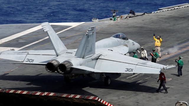 EE.UU. manda a un portaviones atravesar el mar de la China Meridional