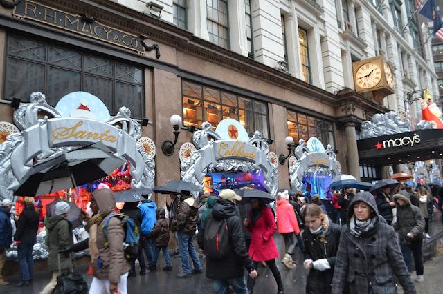 Macys christmas window display