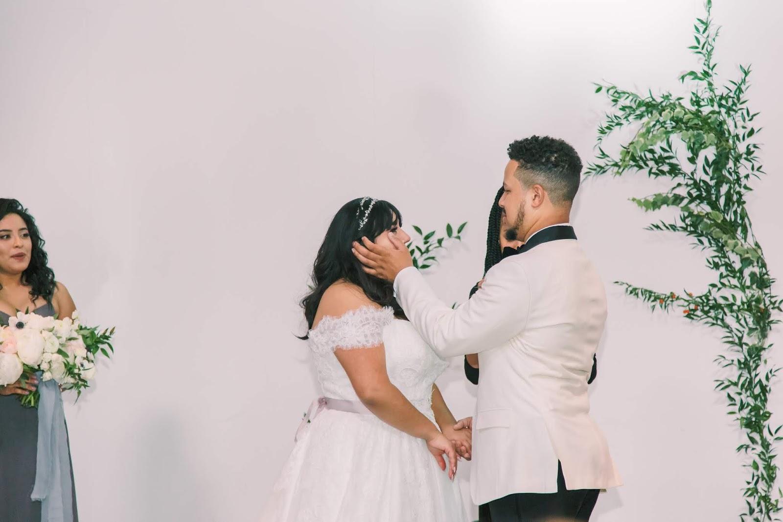 las vegas wedding,african american officiant, latina bride