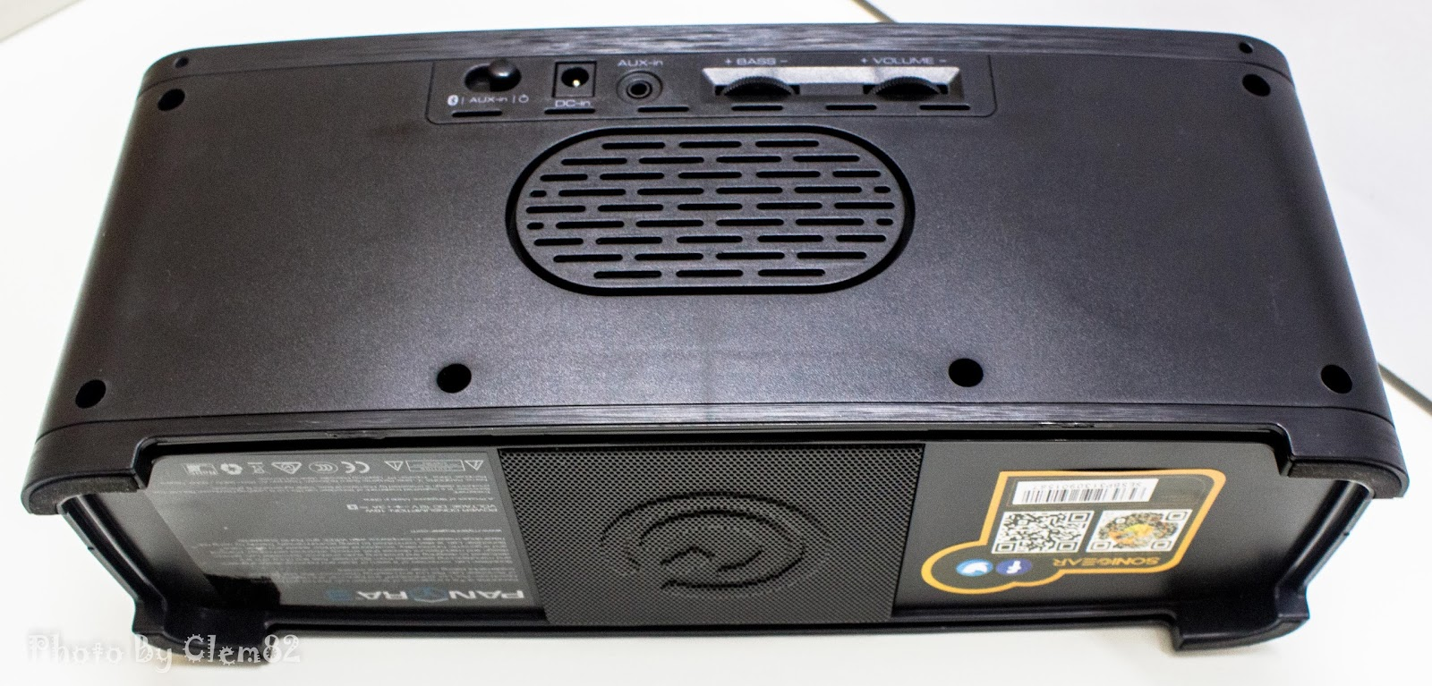 Opening Pandora's Box: SonicGear Pandora Wireless Bluetooth Media Player Series 24