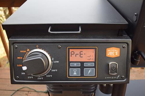 Oklahoma Joe's Rider DLX pellet grill review