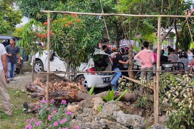 Tabrakan Brio Vs Pick Up di Bone, 2 Korban Kritis