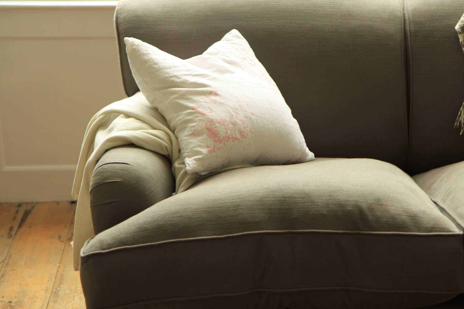 The Best Filling For Plumpest Sofa Cushions