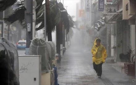 Ο τυφώνας Τάπαχ απειλεί την Ιαπωνία