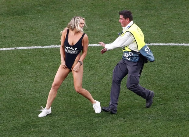 I can't wait to Marry you' Champions League final streaker's partner sends fans crazy