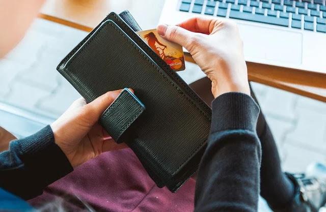 Kebiasaan Anak Muda Yang Bikin Keuangan Kacau dan Boros