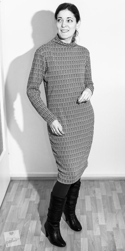 Karl – Oversize-Kleid mit Funnel Neck aus Jacquard