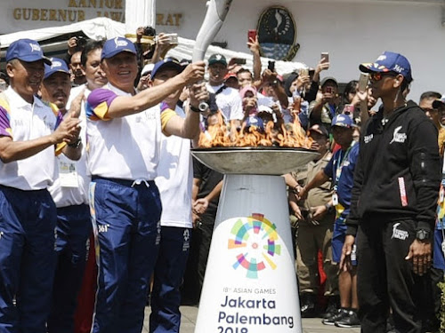 Obor Asian Games 2018 di Gedung Sate