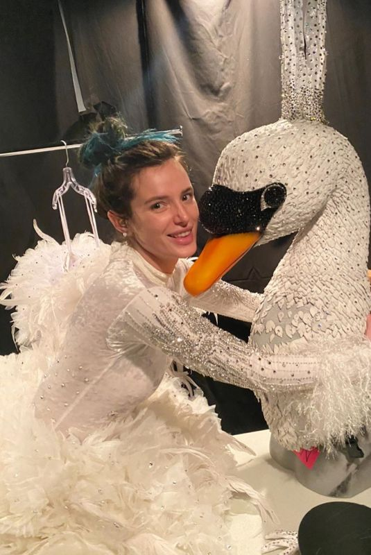 Bella Thorne in Swan Costume – Instagram Photos 20 Mar- 2020