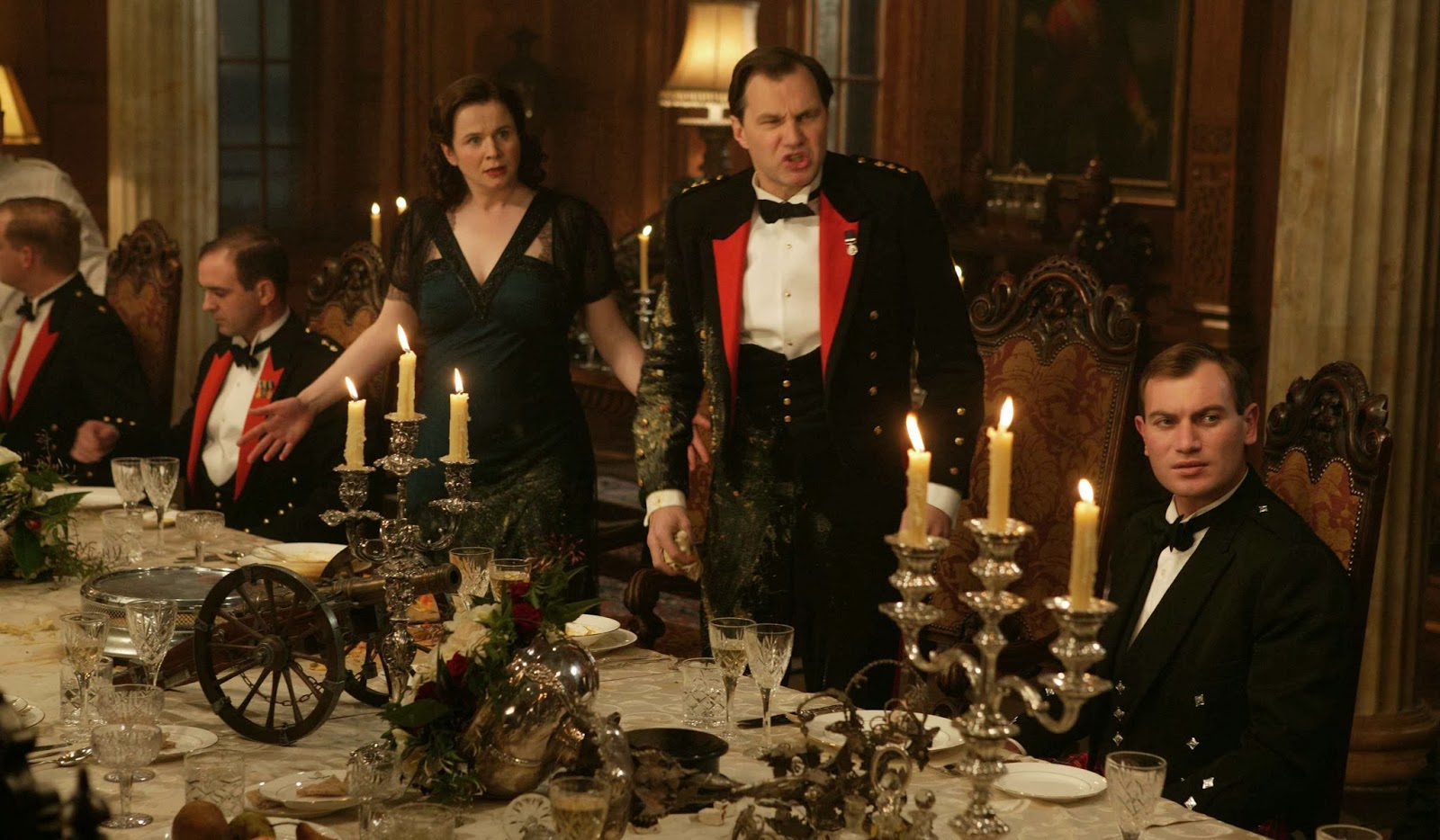 Etiquipedia: The State of British Table Manners, Knives Forks and