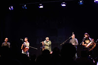 https://musicaengalego.blogspot.com/2018/02/fotos-os-carunchos-na-sala-rebullon.html