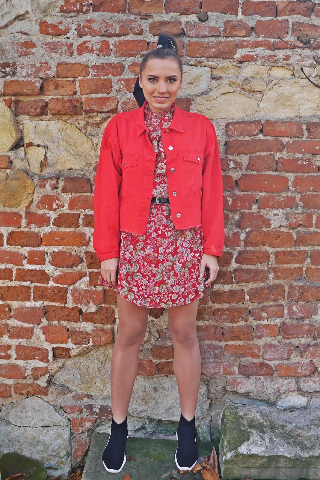 Skarpetkowe buty balenciaga renee czerwona kurtka karyn blog modowy