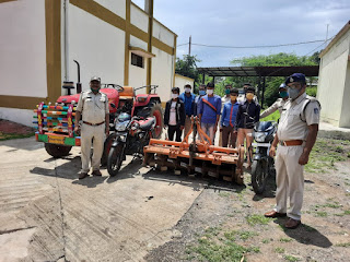 बाइक एवं कृषि यंत्र चोरी करने वाले गिरोह के 4 लोंगो को पुलिस ने किया गिरप्तार