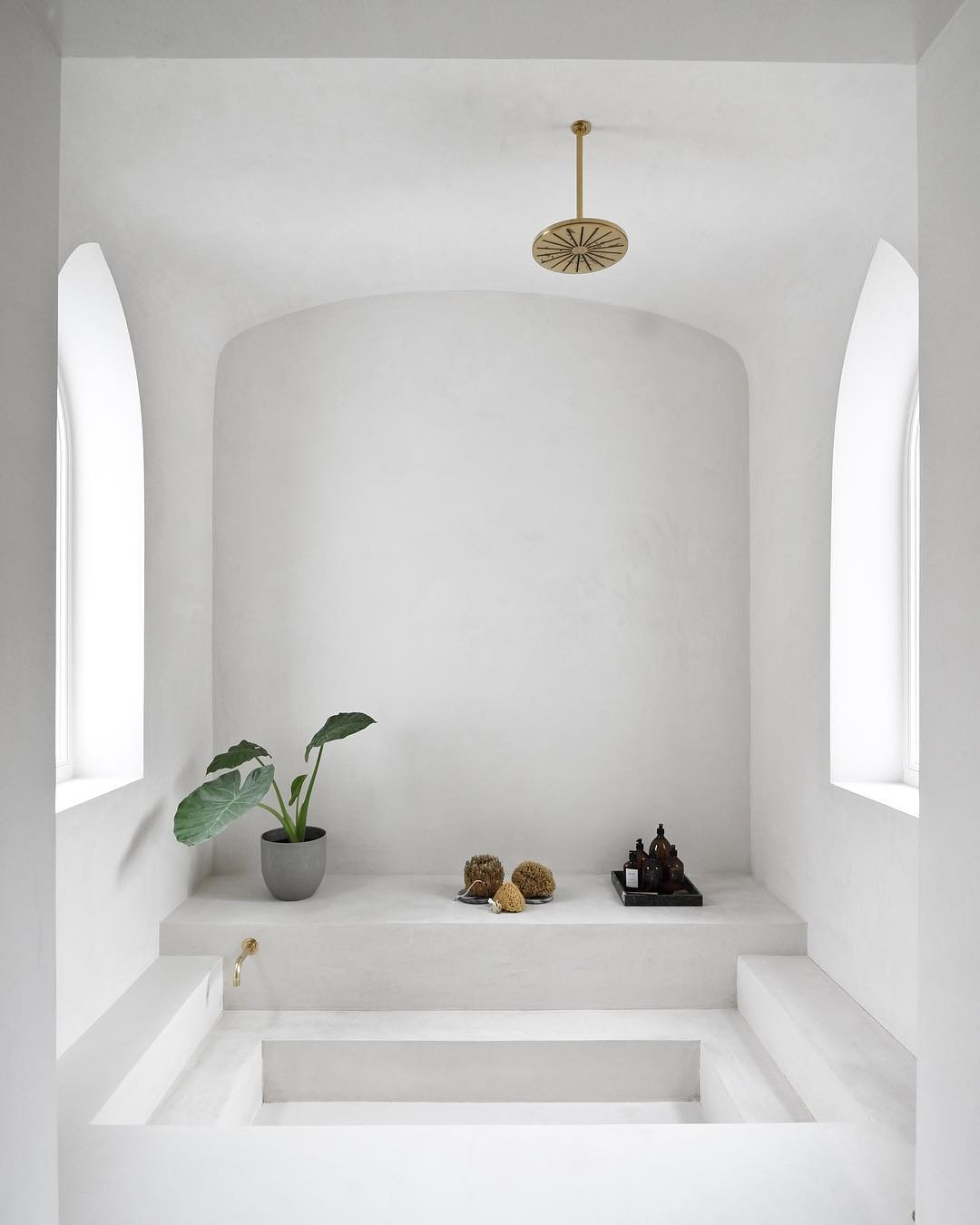 ilaria fatone - summer-mood - minimal bathroom