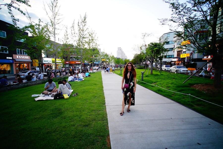 Hipster Hongdae pedestrian street, Seoul