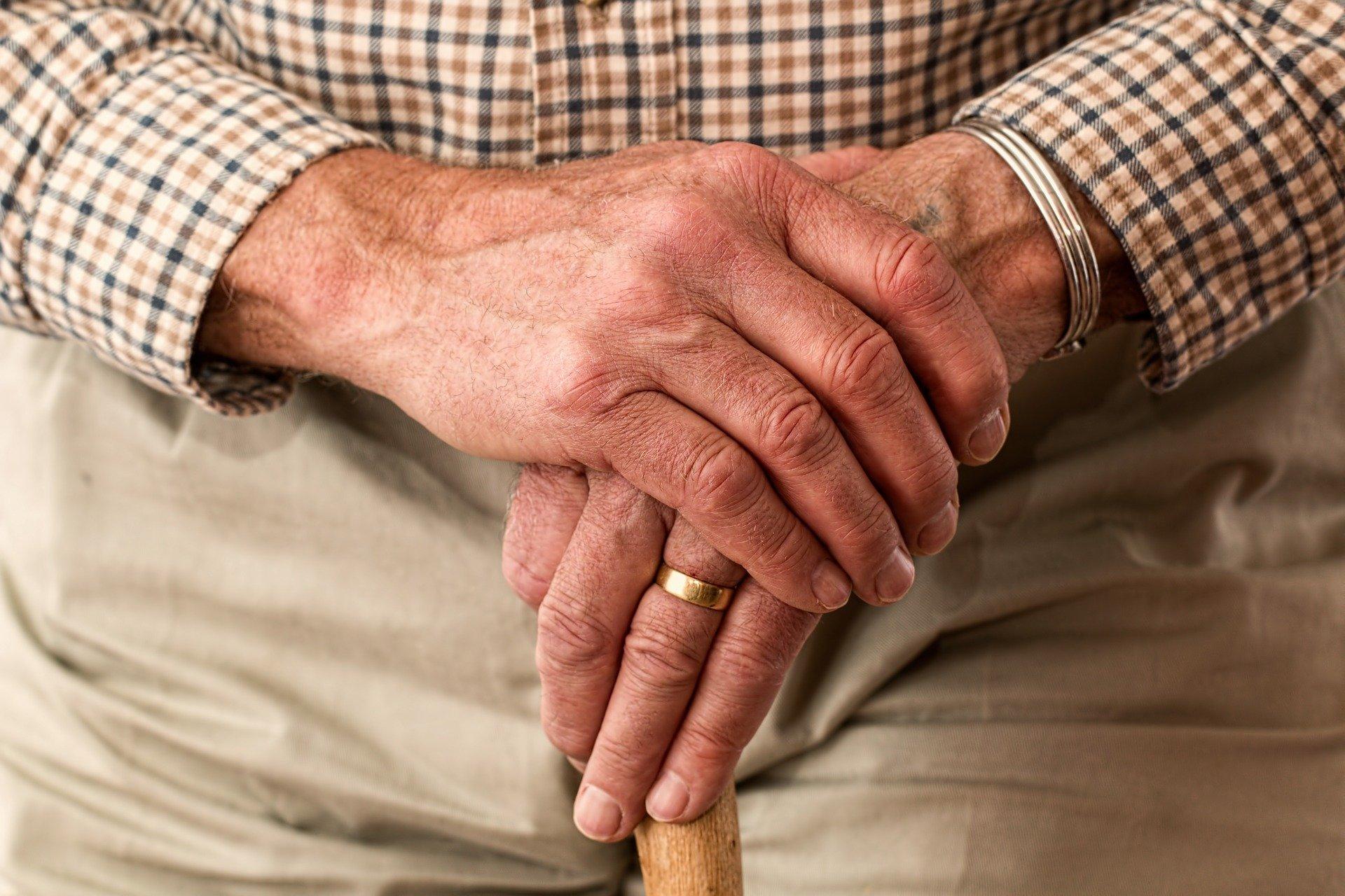 Cárcere privado de idosos na quarentena
