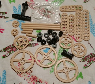 Maker Studio Gears Building Kit  contents
