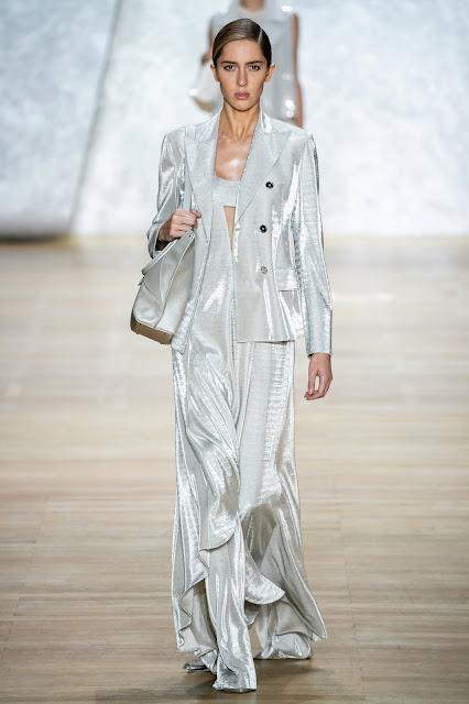 Akris runway fashion SS20 trends be fashion blogger Kelly Fountain