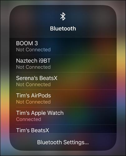 """القائمة """"Bluetooth"""" في مركز التحكم."""